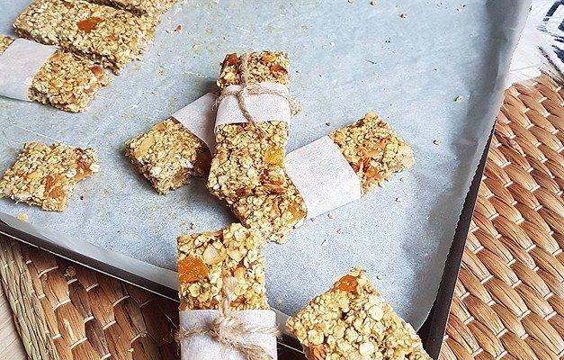 Barres de céréales ou Granola bars abricots amandes
