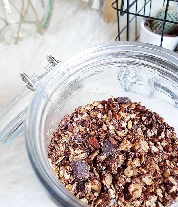 Granola triple chocolat noir, cannelle