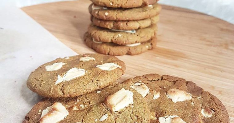 Cookies healthy thé matcha et chocolat blanc (à la farine de riz, sans beurre et sans oeufs)