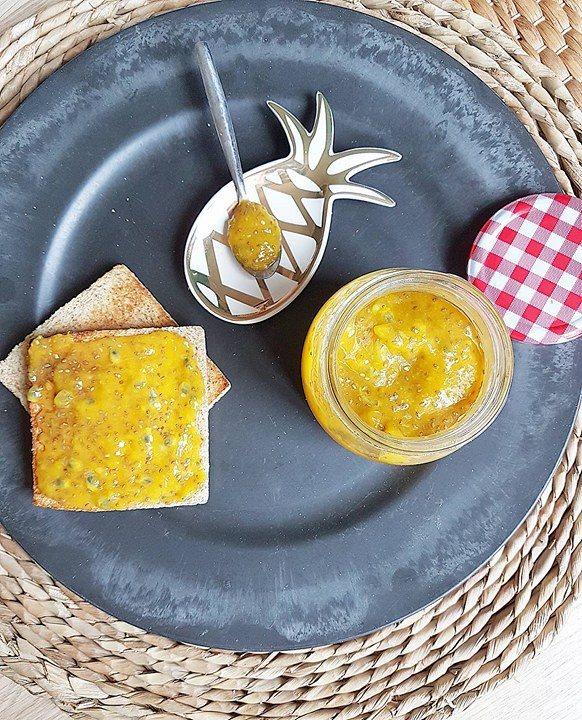 Confiture crue de chia exotique (mangue, passion, citron vert)