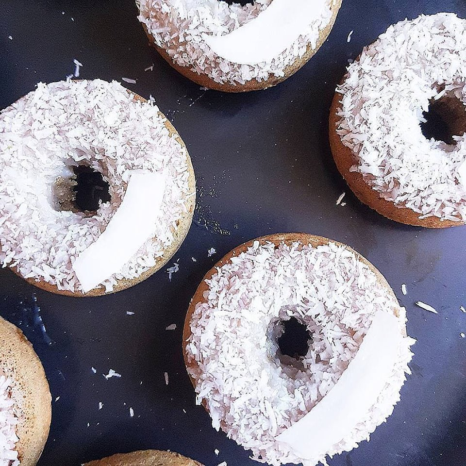 Mini donuts healthy coco, rhum et citron vert (cuisson au four avec moule en silicone)