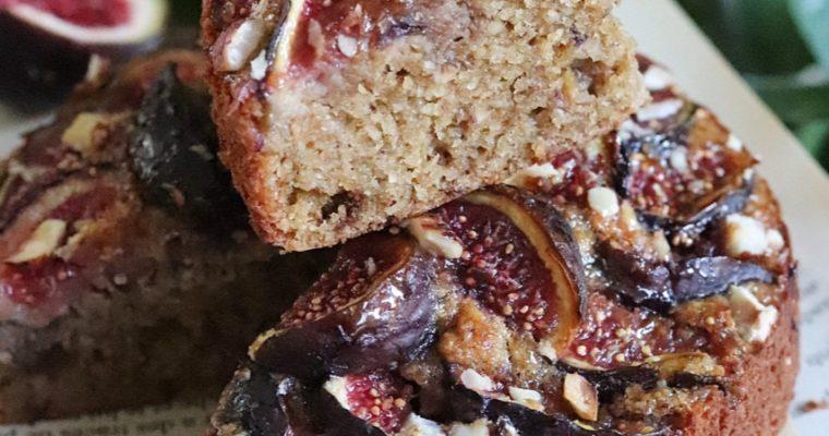Gâteau noisette et figues violettes sans gluten et sans matières grasses ajoutées