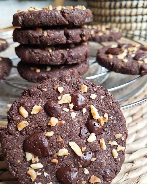 Cookies chocolat-noisettes et sarrasin sans gluten, sains et vegan