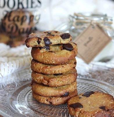 Cookies à la farine de pois chiches et chocolat noir (vegan et sans gluten, sans sucres ajoutés et à IG bas, allégés en matières grasses)