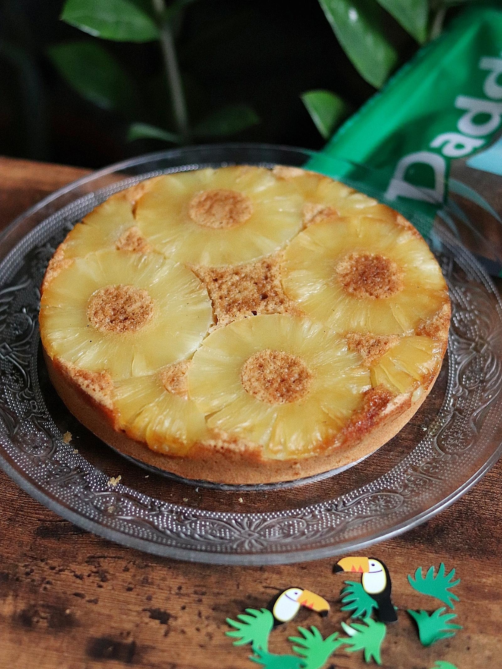 Gâteau renversé à l'ananas et sucre de coco, cannelle, vanille et gingembre (sans lactose, à teneur réduite en MG)