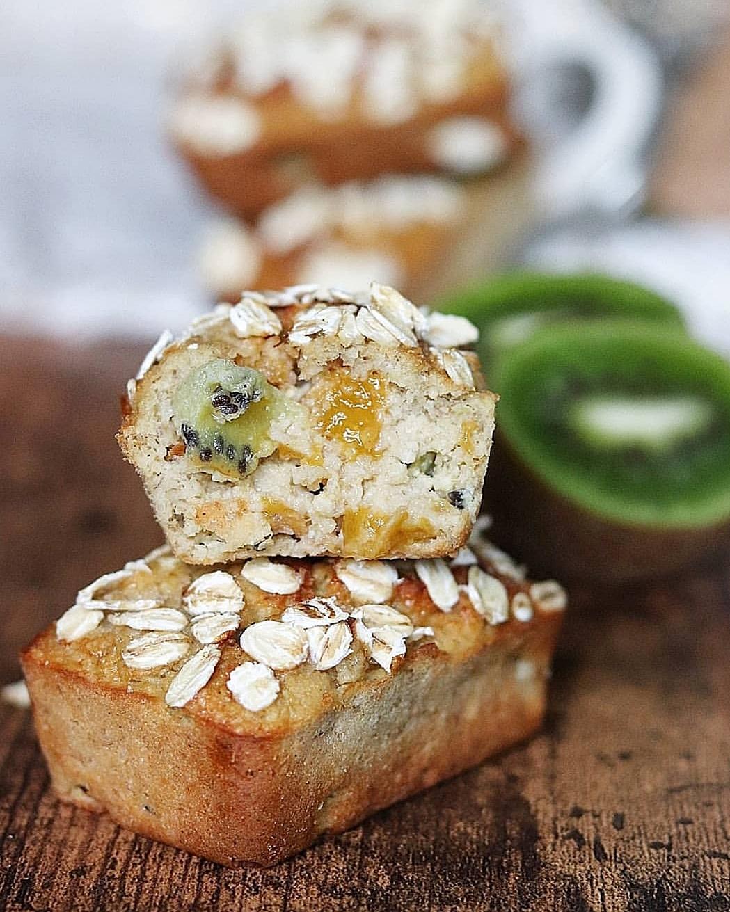 Mini cakes ou muffins banane/mangue/kiwi (sans farine, sans MG, sans sucres ajoutés, sans lactose, à IG bas)