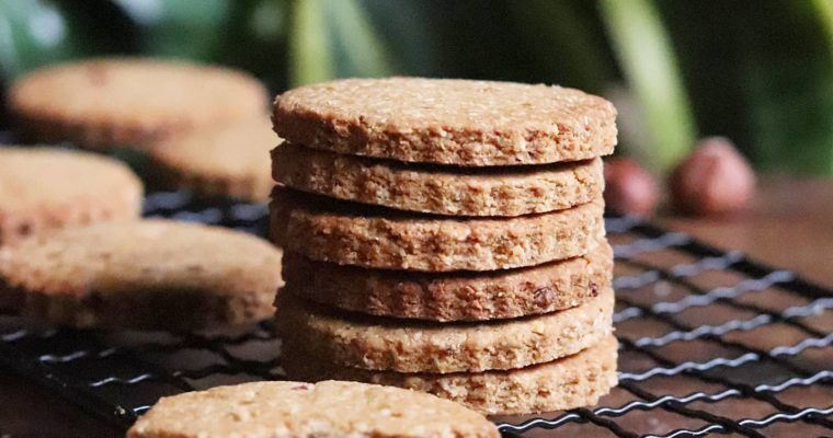 Biscuits vegan noisette, avoine et peanut butter (option sans gluten), sans MG ajoutées
