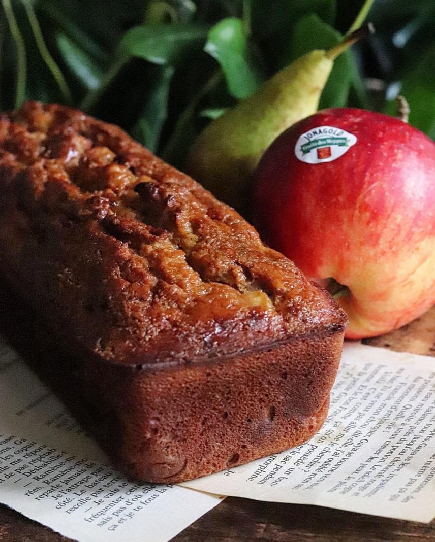Cake pomme, poire et cannelle sans matières grasses ajoutées et peu sucré